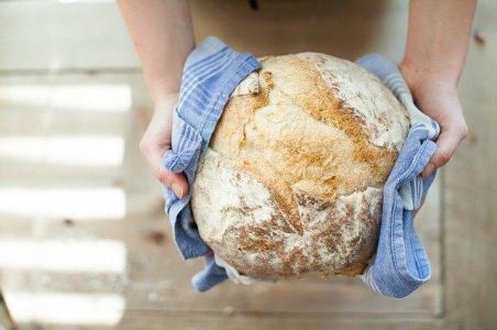 bread-821503_640